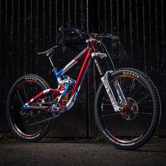 @adbrayton's Worlds Bike in all its glory. See the full bike check here:  www.hopetech.com/Adam-braytons-worlds-gambler  #hopetech #gastoflat #gambler #WorldsAreComing #madeinuk #proud  Image @roofowler 📷