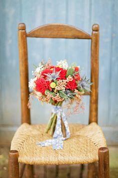 wedding chair, bouquet