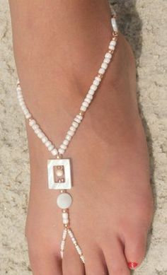 And then there is the concept of barefoot jewelry that you can wear along with strappy shoes, flip flops or simply for walking barefoot around the beach or pool.