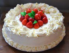 Mansikan unelma - Se kaunis, perinteinen, ja aina maistuva mansikkakakku, ihanalla vaniljatwistillä