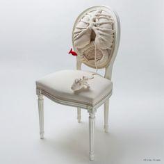 Pauline Krier: Chaise Anatomique