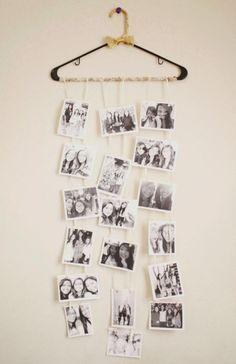schwarz-weiße Fotos am Kleiderbügel hängen lassen ähnliche tolle Projekte und Ideen wie im Bild vorgestellt findest du auch in unserem Magazin
