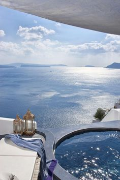 Jacuzzi Blue - Oia, Santorini