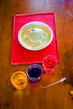 Water and oil experiment for kids!