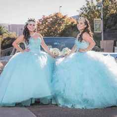 Why not share a #quince celebration with your best friend or sister? This is how these twin sisters @aitimamiii & @sanchitoooo celebrated on November 21, 2015! And they loved it! Tag your best friend or relatives who you wouldn't mind celebrating your #quince with! ( # @quinceanera )