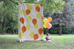 How to Make a Freestanding Photo Backdrop >> http://blog.diynetwork.com/maderemade/how-to/how-to-make-a-freestanding-photo-backdrop/?soc=pinterest