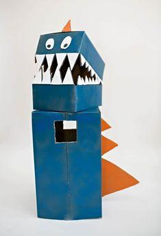 DIY CARDBOARD DINOSAUR COSTUME Cardboard Costume, Cardboard Toys, Cardboard Playhouse, Cardboard Furniture, Costume Dinosaure, Diy Dinosaur Costume, Dinosaur Crafts Kids, Boxing Halloween Costume, Carton Diy