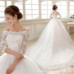 Luxury Princess Long Tail Boat Neck Lace Three Quarter Elegant Wedding Gown