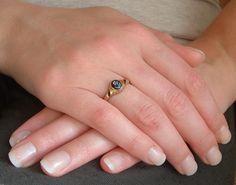 antieke ring met bloem cameetje