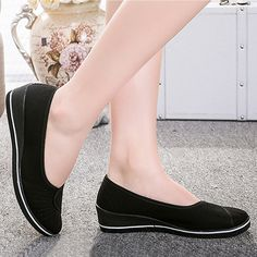 Cute Shoes Flats, Flat Dress Shoes, Black Flats Shoes, Shoes Heels Pumps, Loafer Shoes, Casual Shoes, Sandals, Loafers For Women, Womens Flats