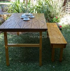 Groovy Folding Garden Table This is very cool!