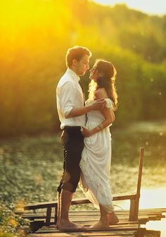 Qué foto de #boda más romántica! / Romantic lake #wedding pic