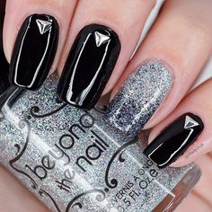 Black and Silver New Years Nails