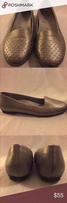 acc509304cd9 VIONIC ORTHAHEEL Leather Bondi Flats Size 11 VIONIC ORTHAHEEL Silver  Metallic Leather Bondi Flats Size 11