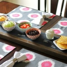 DIY Chalkboard Serving Tray- Perfect for entertaining during the holidays Do It Yourself Projects, Diy Projects To Try, Diy Arts And Crafts, Fun Crafts, Diy Chalkboard, How To Make Breakfast, Easy Diy, Craft Ideas, Decor Ideas