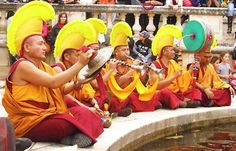 Les moines danseurs du Tibet en tournée en Bretagne - Saint-Pern