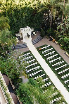 glamorous outdoor wedding decors of aisle runner