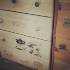 said the king Dresser, Shelves, King, Antiques, Wood, How To Make, Home Decor, Antiquities, Powder Room