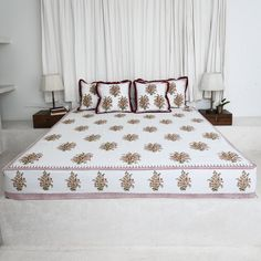 Bed Linens, Linen Bedding, Purple Suits, Green Cotton, Shades Of Blue, Bed Sheets, Printed Cotton, Pillow Covers, Sleep