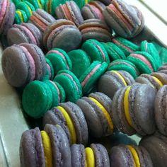 #macarons bicolores cortesía de @tekuidamos