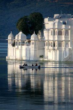 Lake Palace Hotel - Udaipur - India