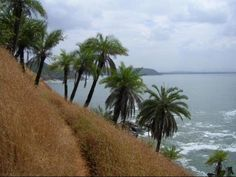 #India, Half moon beach, #Karnataka    http://www.nativeplanet.com/gokarna/photos/770/