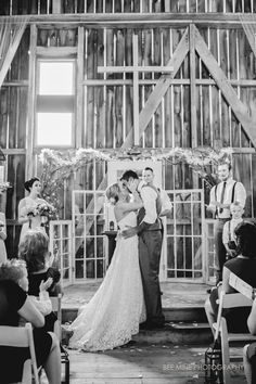 Bee Mine Photography // Cleveland + Canton Ohio Wedding Photographer  The barn at the meadows, rustic wedding venue, barn wedding, canton ohio wedding photographer, cleveland wedding photographer, the barn at the meadows, rustic wedding ohio, wedding photographer canton ohio, wedding photographer cleveland
