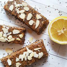 Nutrition bars: homemade lemon & chia protein bars recipe, no-bake and simple