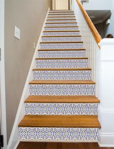 This design features an intricate Spanish-style tile pattern, repeated on each step. At last, a way to make your stairways beautiful! RiserArt presents these specially designed art creations perfect f