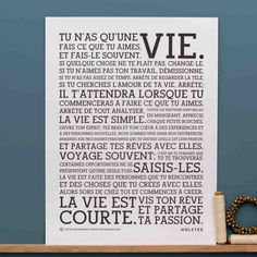 Affiche Manifesto version française Plus Positive Mind, Positive Attitude, Positive Vibes, Letras Cool, Version Francaise, French Quotes, Love Your Life, Good Vibes Only, Some Words