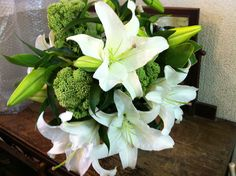 Simple and beautiful: sedum and lilies