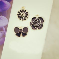 Find More Charms Information about 10pcs/lot Bow daisy rose floating Enamel Charms Alloy Pendant fit for necklaces bracelets DIY Female Fashion Jewelry Accessories,High Quality pendant clasp,China charm scarfs Suppliers, Cheap charm locket from Playful beauty department store on Aliexpress.com