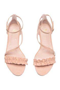 SANDALES FROUFROU ROSE OU NOIR - H&M - T36 http://www2.hm.com/fr_fr/productpage.0483567002.html#Poudre