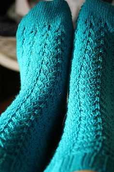 Poseidon Socks By Elinor Brown - Free Knitted Pattern - (ravelry)