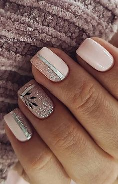 - 35 Best and Playful Glitter Nails Design Ideas in This Week Page 10 of 35 Nail Art Shiny Nails, Metallic Nails, Glitter Nails, My Nails, Glitter Outfit, Bright Nail Designs, Short Nail Designs, Simple Nail Designs, Stylish Nails