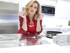 Η Khloe Kardashian φτιάχνει Cheesecake | Table Art - Art de la Table
