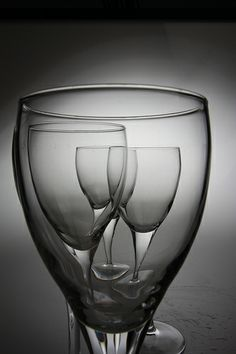 Trendy Black And White Photography Objects Beautiful Ideas Glass Photography, Photography Projects, Abstract Photography, Still Life Photography, Creative Photography, Ecole Art, Still Life Photos, Wine Art, Photo Lighting