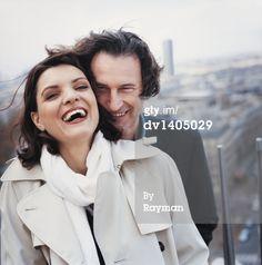 Stock Photo : Romantic Smiling Couple, Paris, France