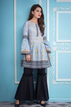 Zeen 1 Piece Vintage Beauty Custom Stitched Suit Spring Summer 2018 Vol 1 - 567906 Stylish Dresses For Girls, Stylish Dress Designs, Simple Dresses, Casual Dresses, Girls Dresses Sewing, Beautiful Pakistani Dresses, Pakistani Dresses Casual, Pakistani Dress Design, Pakistani Lawn Suits