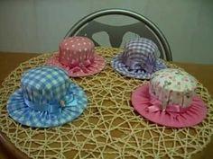 con una lata pequeña de atun y un CD podemos hacer este alfiletero sombrero, quedan todos preciosos con cualquier retal de tela , super util para la costura y un detalle muy bonito si queremos regalarlo    http://www.facebook.com/yvonne1829?ref=hl