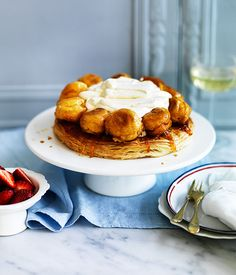 Gâteau Saint-Honoré: The crème Chiboust, formed when the crème pâtissière and Italian meringue are combined, is based on Michel Roux's version. Rough Puff Pastry, Custard Powder, French Patisserie, Choux Pastry, Thing 1, Recipe Search, Recipe Collection, Tray Bakes, French Desserts