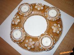 PERNÍKOVÝ ADVENTNÍ VĚNEC | Mimibazar.cz Holidays And Events, Gingerbread, Christmas Tree, Cookies, Baking, Holiday Decor, Food, Design, Life