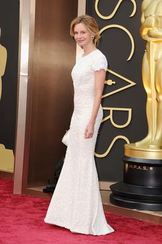 Calista Flockhart in a short-sleeved white design at the Oscars. #redcarpet #academyawards