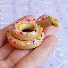 Donut Snake Figurine. Handmade, Polymer Clay Food Creation, Crafted by The Clay Kiosk on Etsy. Sculpey Clay, Polymer Clay Charms, Cute Polymer Clay, Polymer Clay Creations, Polymer Clay Jewelry, Clay Crafts, Polymer Clay Projects, Art Crafts, Biscuit