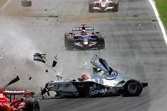 Robert Kubica (POL) BMW Sauber F1.07 crashes.  Formula One World Championship, Rd 6, Canadian Grand Prix, Race, Montreal, Canada, Sunday, 10 June 2007
