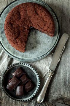 Schokolade〖Gâteau au chocolat〗(http://www.diegluecklichmacherei.com/2016/04/schokolade-schokoladegateau-au-chocolat.html)