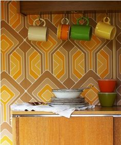 9 Vintage Caravan Design Tips to Bring Your Unique Style to Life Love the vintage look? Consider a vintage caravan project to let your creative side out. Interested in how you can. Caravan Decor, Retro Caravan, Caravan Interiors, Interior Wallpaper, Retro Wallpaper, Vintage Caravans, Vintage Trailers, Vintage Campers, Vintage Camper Interior