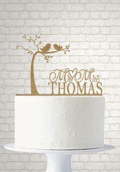 topo de bolo divertido, topo de bolo casamento, topo de bolo diferente para casamento. topo de bolo criativo. Topo de bolo com sobrenome dos noivos