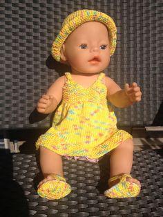 Puppenhängerchen, Hut und Sandalen von Marie & Mariechen auf DaWanda.com