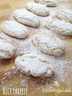Shortbreads So British - HQ Recipes Italian Cookie Recipes, Italian Cookies, Italian Desserts, Mini Desserts, Dessert Recipes, Amaretti Cookies, Biscotti Cookies, Almond Cookies, Candy Cakes